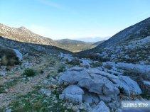 Vom Azilakon-Wald nach Osten in Richtung Drasi-Park hinter Neapoli.