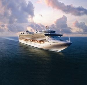 , Princess Cruises füllt den Tank – Reederei übernimmt Benzinkosten für die Anreise zur Ostsee-Kreuzfahrt ab Warnemünde