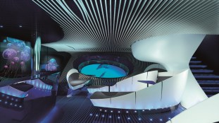 PONANT - Dem Meer ganz nah in der Underwater Lounge Blue Eye (c) Ponant - Jaques Rougerie Architecte