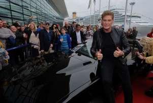 savona david hasselhof con i fans di supercar foto leoni