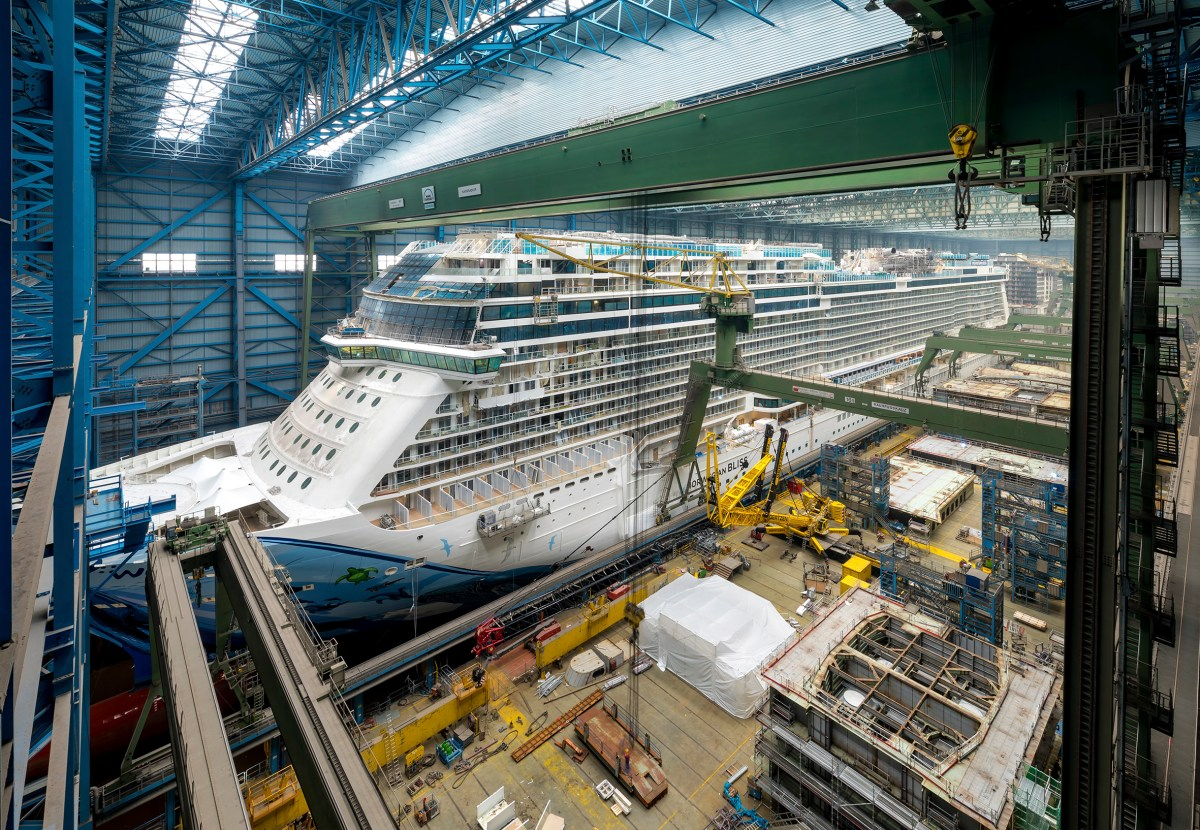 Webcam: Ausdocken der Norwegian Bliss