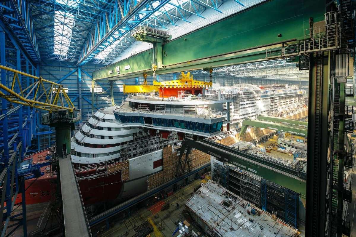 AIDAnova: Größte Kommandobrücke der AIDA Flotte montiert