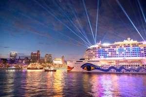 , HAFENGEBURTSTAG HAMBURG: Drei AIDA Kussmundschiffe und großes AIDA Feuerwerk und AIDAnova Gewinnspiel
