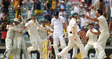 Australia's team celebrates after dismissing James Anderson of England to claim a 3-0 series win