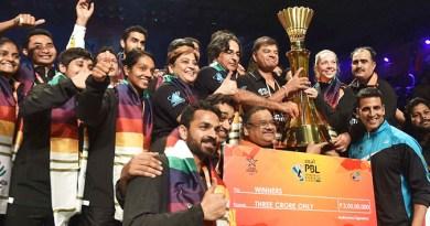 Premier-Badminton-League winner