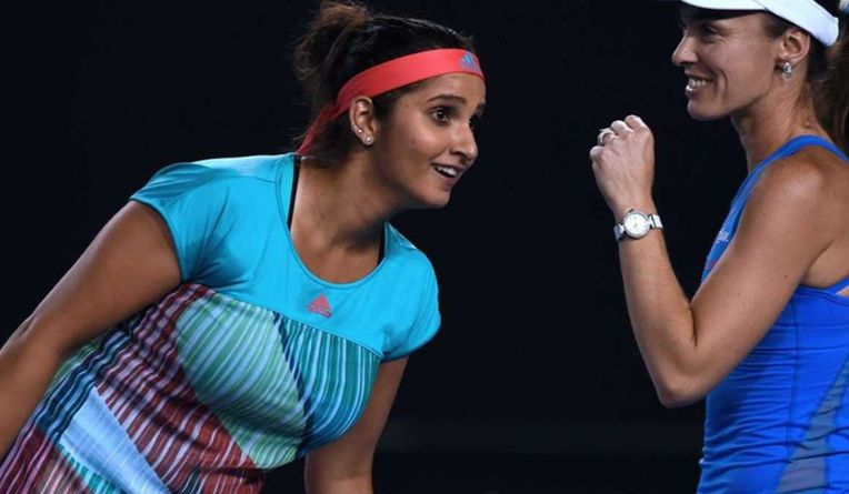 Sania and Hingis Storm into Final