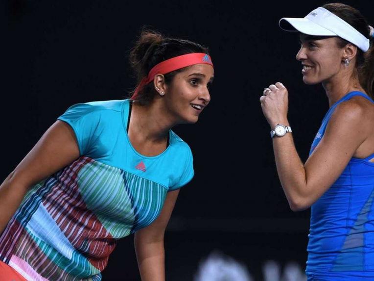 Sania and Hingis Storm into Final