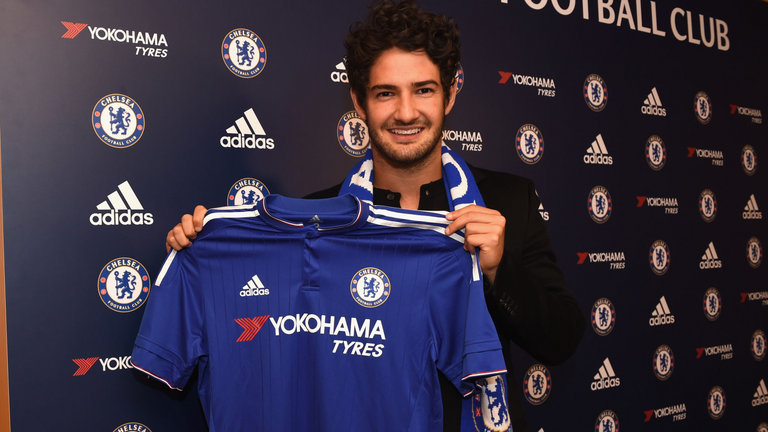 pata completes chelsea move