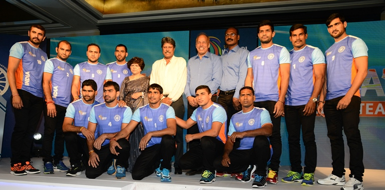 indian-dream-team-for-2016-kabaddi-world-cup-along-with-dr-mrs-mridul-bhadauria-president-amateur-kabaddi-federation-of-india-akfi-and-kapil-dev