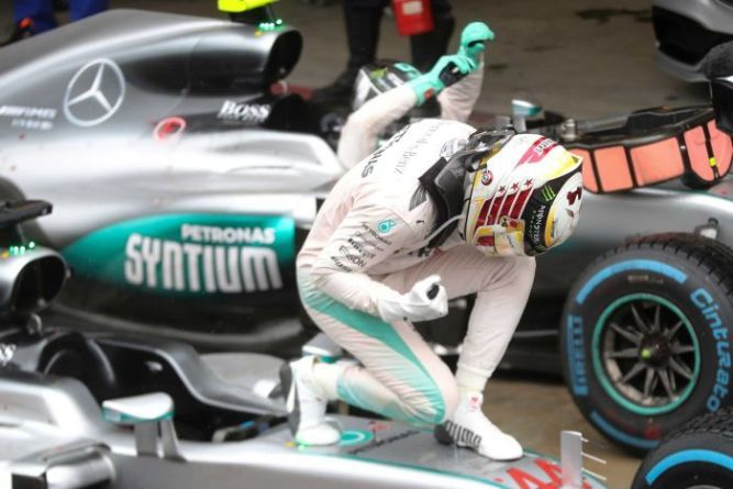 Hamilton Wins Brazilian GP but Rosberg Looks the Most Likely 2016 World Champion