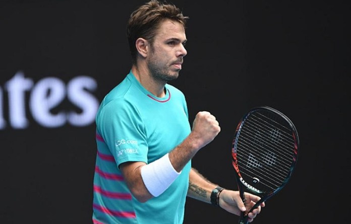 Federer Fights Fiercely for Five Sets and Beats Wawrinka to Enter Australian Open Final