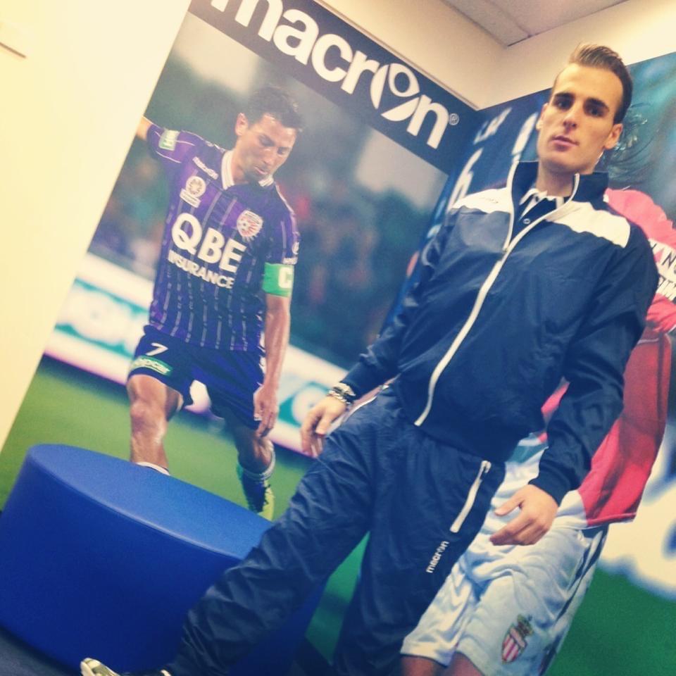 Chennaiyin FC and Goa Fc would like sign I very strong Italian midfielder Alessandro Venezia