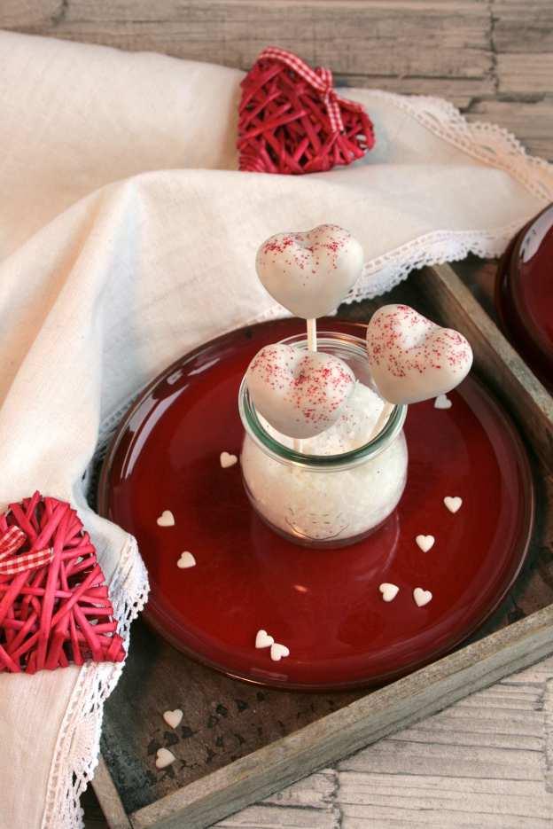 Cakepops Herzen Valentinstag lecker für jeden Tag Backblog krimiundkeks