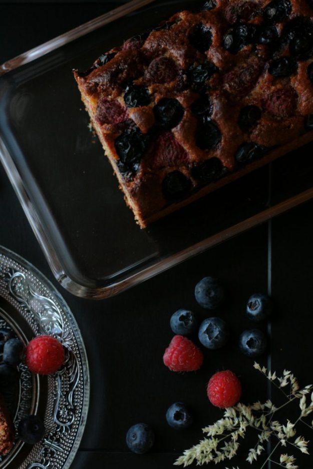 Mandelkuchen Beeren krimiundkeks saftig glutenfrei ohne Mehl Kastenkuchen Mandeln