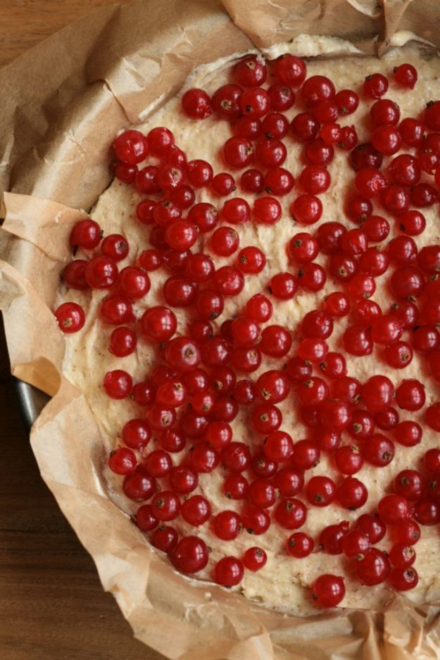 Johannisbeeren Streusel Rührkuchen Sekt krimiundkeks Streuselkuchen Mandeln Beeren