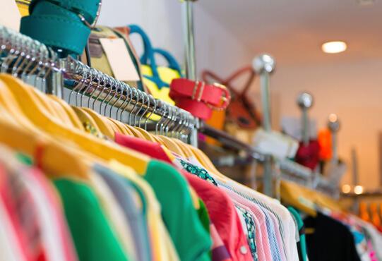 Kinderkleding Tweedehands.Tweedehands Kleding Kringloop De Markt Zeist