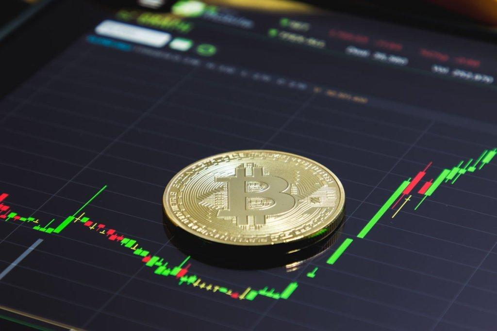 İngiliz Şirket Nakit Rezervinin Yüzde 10'unu Bitcoin'e Ayırıyor