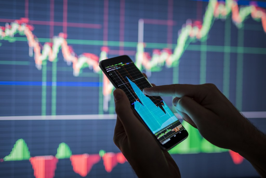 Analist, Milyarderlerin Desteklediği Altcoin İçin İdeal Stratejiyi Paylaştı