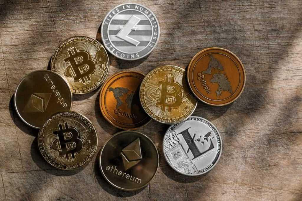 Büyük Eller, Bitcoin'den Çıkarak Bu Altcoin'e Geçiyor!