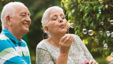 Sonunda bu da oldu: Yaşlılar kripto para sektörüne akın ediyor!