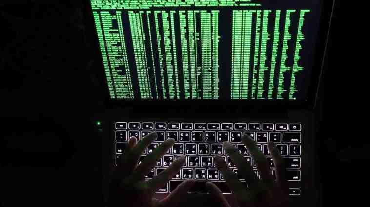 AlphaBay Darknet aracılığıyla kimyasallar, silahlar, çalınmış finansal bilgiler ve sahte belgeler satın alınabiliyor