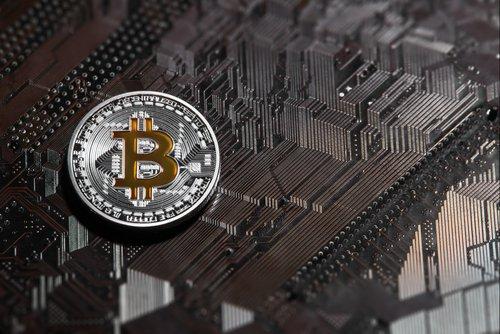 Bitcoin перешел отметку в $10 000