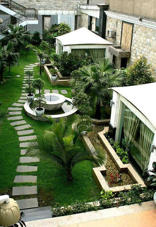 Desain Taman Atas Rumah
