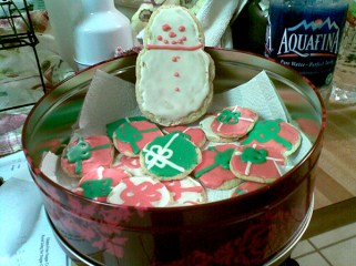2010-christmas-sugar-cookies-5