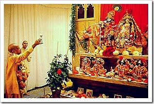 Prabhupada worshiping Radha Krishna