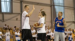 Kristaps Pozrziņģis tiekoties ar Latvijas jaunajiem basketbolistiem