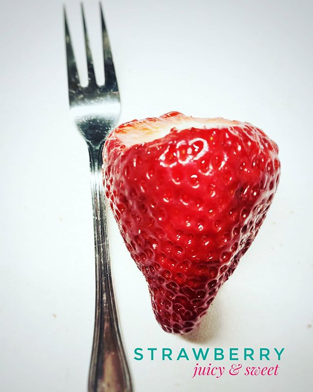 Enjoying a huge #strawberry . It's almost as big as the #dessert fork..#insta #instafood #instapic #picoftheday #magnificentshot #love #sexy #igers #igersbilbao #food #hungry #happy #delicious #hungry #restaurant #deliciousfood #urbanphotography #traditional #traditionalfood #fruit #healthylifestyle