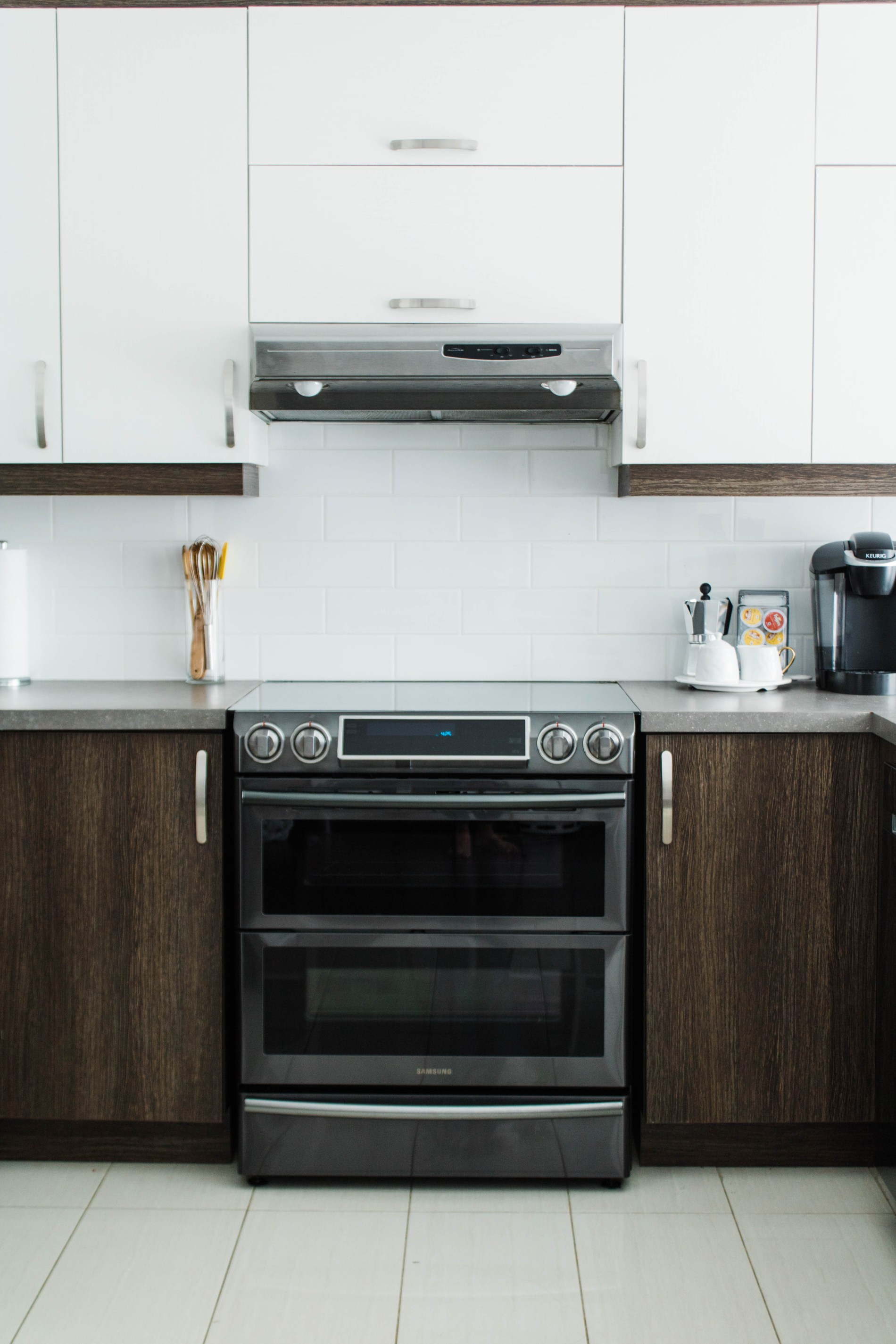 Kitchen Update- Black Stainless Steel Appliance. #samsung #kitchen #homedecor #kitchenphotography