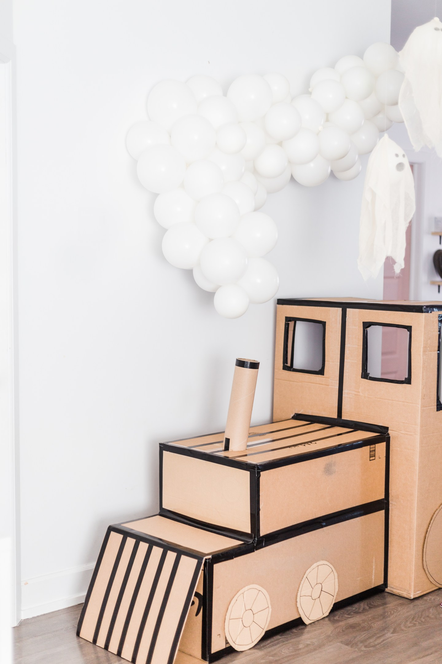 Life lately: Jude is 8 years old | Ghost kids party + Cardboard train diy | #kidshalloweenparty #ghostparty #halloweendecor #ghostdecorations #modernhalloween