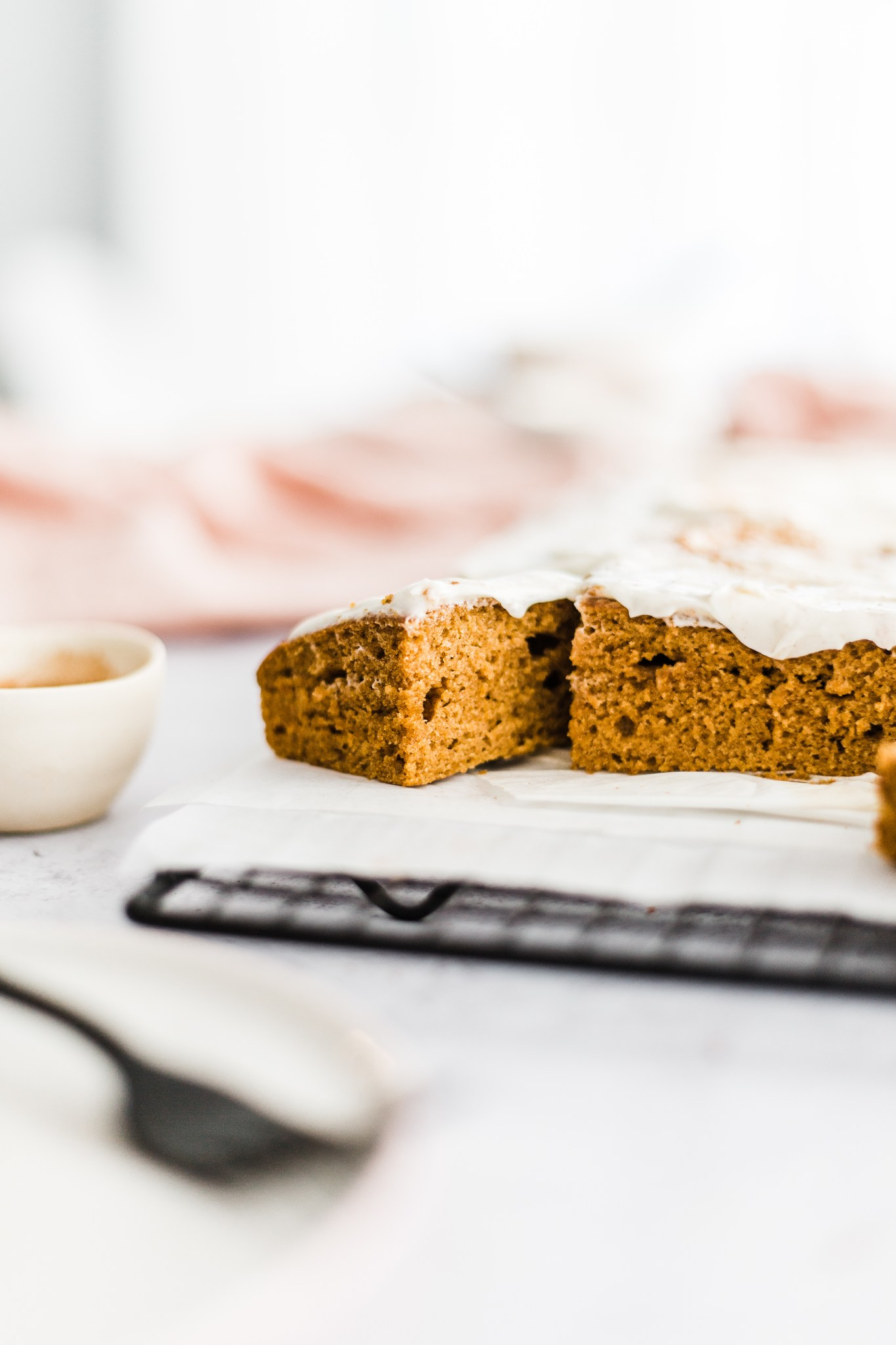 Pumpkin Spice Sheet Cake with Maple-Bourbon Cream Cheese Frosting | #pumpkinspicesheetcake #sheetcake #fallbaking #falldesserts #pumpkin #creamcheesefrosting #pumpkinrecipes