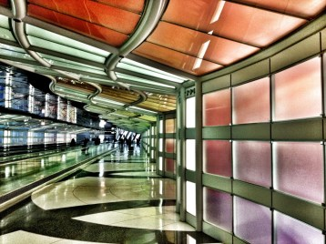The inter-terminal tunnel at Chicago Airport