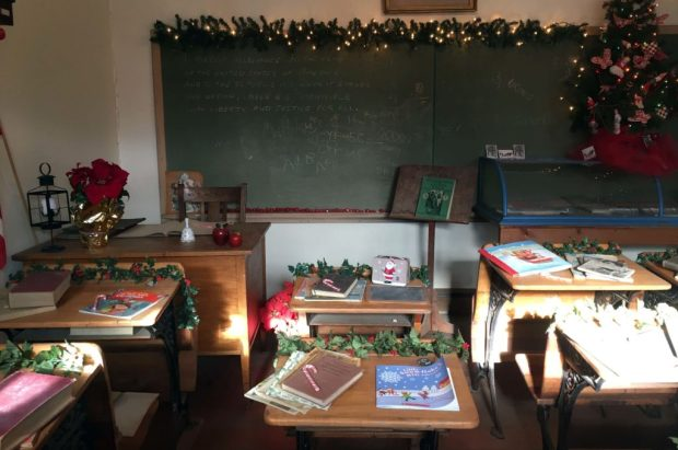 christmas-in-dairyville-classroom