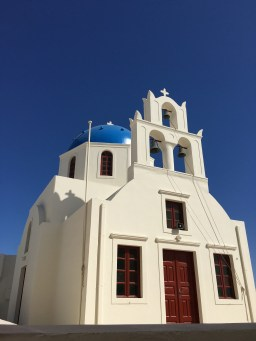Beautiful church in the center of Oia
