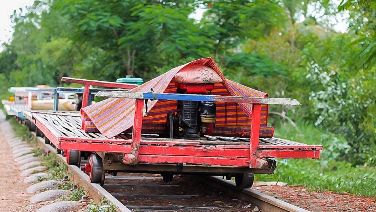 Cambodia Travel Tips. Bamboo Train in Battambang