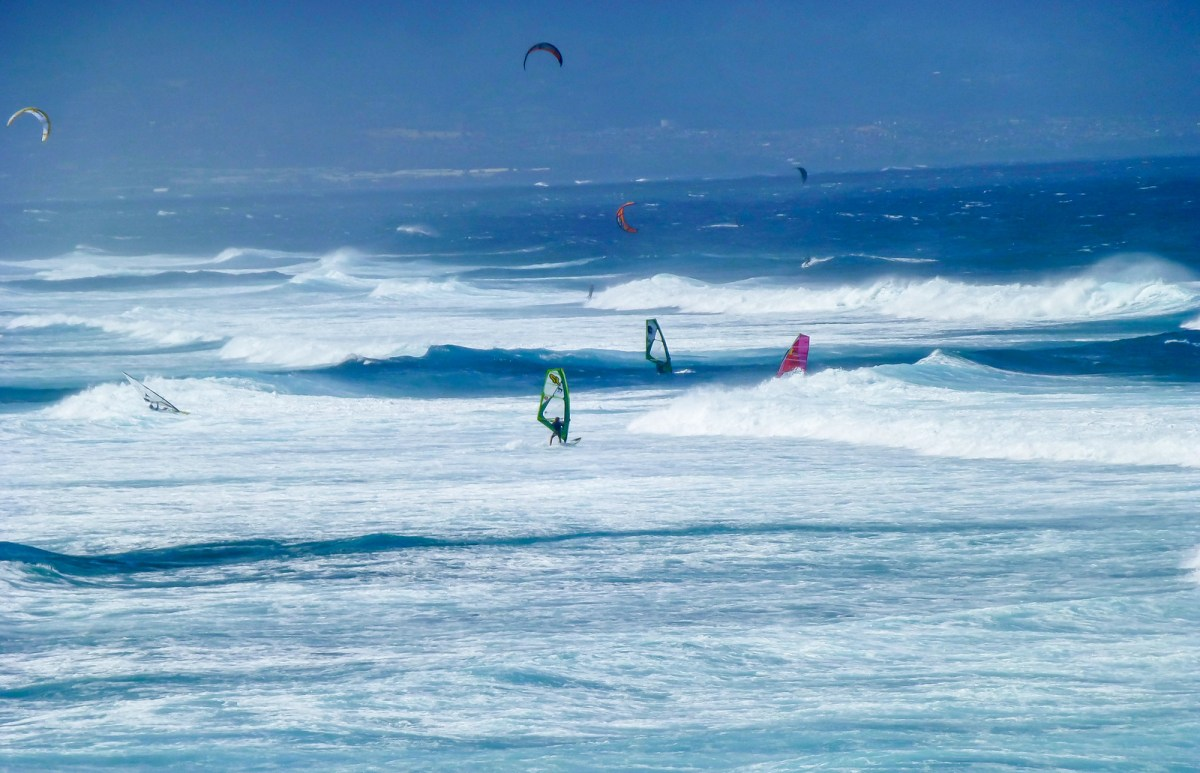 3 week Hawaii itinerary. Paia, Windsurfing Capital of the World