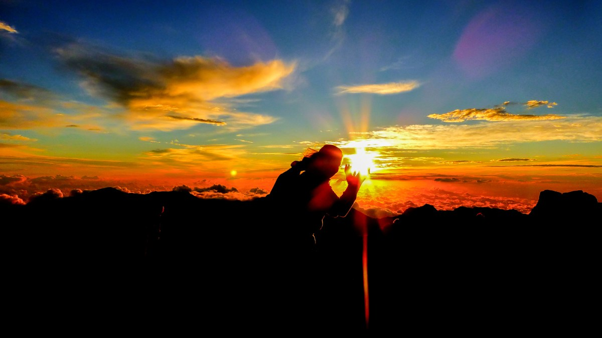 3 Week Hawaii Itinerary. Sunrise at Haleakala Volcano