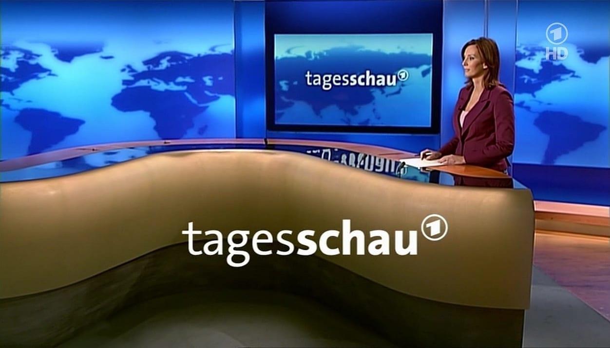TV-Moderatorin Kristina zur Mühlen im Tagesschau-Studio