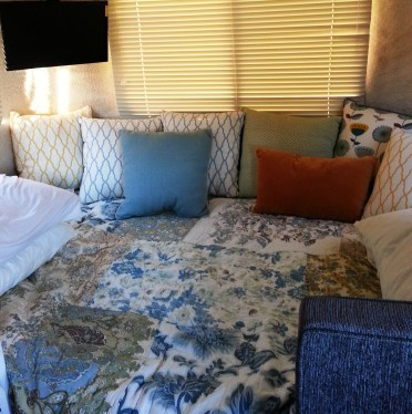 Throw pillows to make a day bed.