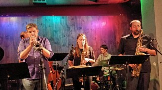 Slumgum with Beth Schenck and Kris Tiner at the Blue Whale, Los Angeles (photo by Don Edmondson)