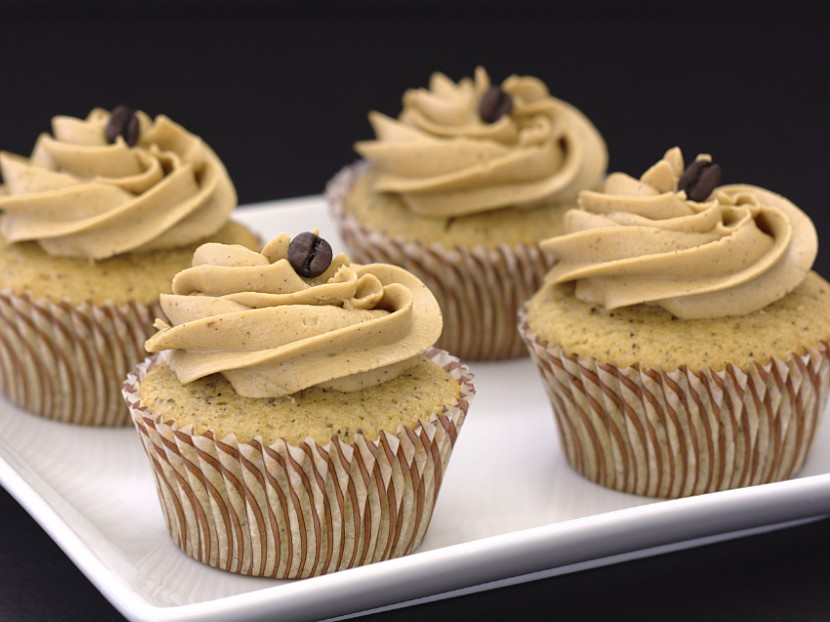 Vanilla Latte Cupcakes - THE cupcake for coffee lovers! | Kristine's Kitchen