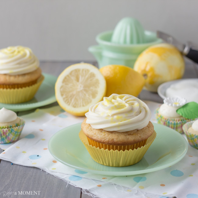 lemon greek yogurt cupcakes