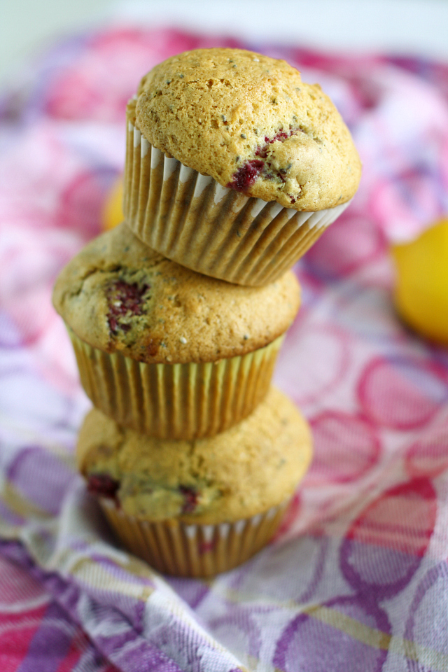 Vegan-raspberry-lemon-chia-seed-muffins.-