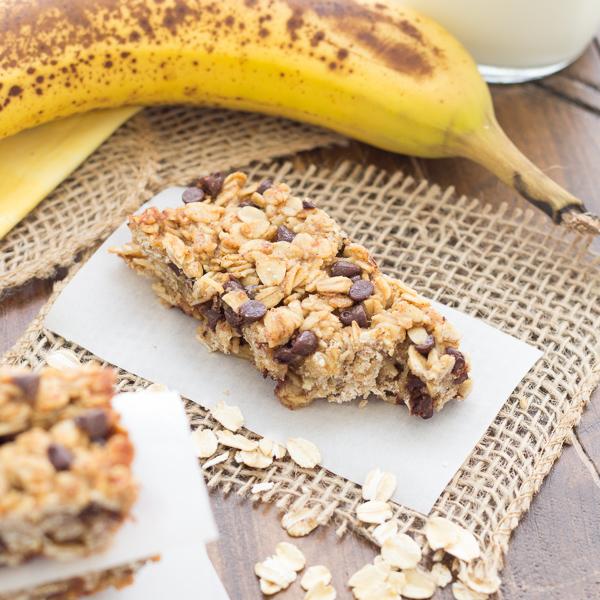 Banana Chocolate Chip Granola Bars