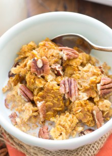 This Pumpkin Pecan Baked Oatmeal is a healthy, make-ahead breakfast. It's full of pumpkin spice and refined sugar free!