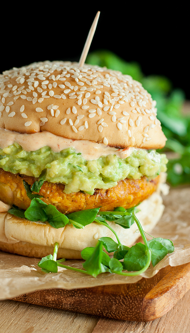 healthy-homemade-pumpkin-white-bean-veggie-burger-recipe-650xx-1689xL