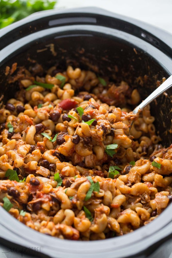Slow-Cooker-BBQ-Chicken-Chili-Mac-www.thereciperebel.com-3-of-7